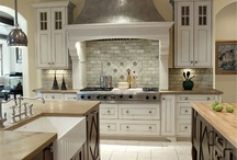 Kitchens / by Judy Wood