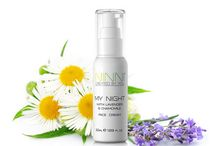 Ninni- My Night Moisturizer with Lavender and Chamomile / This moisturiser is filled with hyaluronic acid, peptides and vitamins to rejuvenate and hydrate your skin. The beautiful scent of lavender and chamomile is soothing and relaxing.