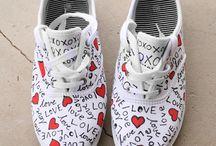 zapatillas pintadas..