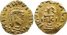 Clovis II (635 +653) R. de Neustrie et des Burgondes (639-657) Epouse Bathilde. / ROI DES FRANCS DE NEUSTRIE ET DES BURGONDES (19 janvier 639- 31 octobre 657) 18 ans, 9 mois et 12 jours. Prédécesseur: Dagobert 1°, Successeur: Clotaire III. - Mérovingien né en 635, décédé le 31 octobre 657. Parents: DAGOBERT 1° et NANTILDE. Conjoint: BATHILDE. Enfants: CLOTAIRE III, CHILDERIC II, THIERRY III. Résidence: Clichy.