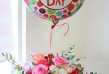 バルーン+フラワー / 箱から飛び出すサプライズ! お花+バルーンで、うれしくって楽しいフラワーギフト。