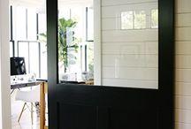 Trouvailles Pinterest: Mur noir / Chaque vendredi, nous vous présenterons ce qui nous a inspiré dans le monde fabuleux de Pinterest durant la semaine. Chronique sur un thème précis présentée par la photographe Marie-Claude Viola.