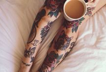 Tatouages aux jambes