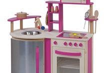 """howa Spielwaren  GmbH ® / Moderne Spielküche aus Holz, teilweise bunt lackiert. Die Spielküche ist mit vielen aufwendigen und funktionellen Details versehen - Cerankochfeld, Mikrowelle, Spüle, Kühlschrank, Backofen, Utensilienhalter, Bar. Drehknöpfe mit """"Klick""""-Geräusch. Hier macht den Kleinen das """"Kochen"""" richtig Spaß! inklusive Topfhandschuh"""
