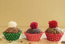 Creare dei cupcake profuma ambienti / Creare dei cupcake profuma ambienti Idea creativa per realizzare dei profuma ambienti fai da te fatti in casa.  #cupcake #profumaambienti #diy #diycrafts #handmade #mycandycountry  Seguimi su: www-mycandycountry.it