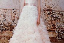 Bride wars / Bridal gowns. Wedding dresses.