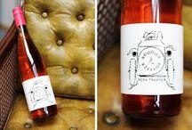 Unsere Lieblingsweine / Zu jedem guten Essen gehört ein ausdrucksstarker Wein. Unsere  Lieblingsweine und alles, was es drum rum zu wissen gilt.