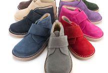 Pisamonas / Fotografías de producto de zapatos infantiles y complementos para niños, de Pisamonas