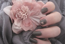 Color: Pink and grey