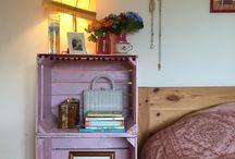 Caisses en Bois / Petite ou grande, neuve ou rustique, ne la jeter pas! Une caisse en bois ça peut toujours servir de meuble ou d'objet déco.