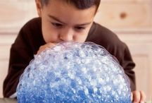 Bubble Painting / Bubble painting is really fun to do and there are so many different variations and ways to do it that we thought we show you different methods to see what could work for you.