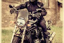 Motocyklowa sesja fotograficzna / Motocyklowa sesja fotograficzna miała miejsce w ruinach starej fabryki w Jeleniej Górze oraz na Górze Szybowcowej. Zapraszam na podobne sesje zdjęciowe, ponieważ praca z ludźmi z pasją jest niezwykle przyjemnym doświadczeniem:)