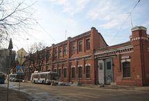 1800-1900 Red brick style