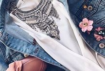 Statement necklace style