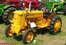 Traktoren und Kettenschlepper