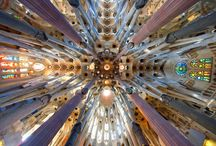 Sagrada Família / Le colonne centrali del più grande tempio del mondo nella pietra più resistente disponibile in natura: iI porfido.