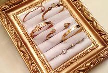 Jewellery props