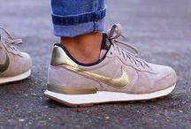 sneakers / Sneakers..❤️❤️