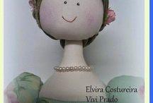 šící panenka