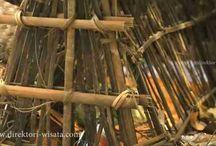 Pemakaman Unik Desa Trunyan Bali / Trunyan Bali merupakan sebuah desa yang berlokasi di kawasan daerah Bali. Desa ini dikenal sebagai des tertua dikenal sebagai tempat tinggal orang Bali asli. Masyarakatnya desa trunyan memilik sebuah tradisi kebiasaan melakukan prosese pemakaman unik bagi masyarakat di sekitar.