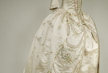 Historische Kleider und allgemeine Mode