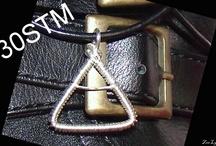 MARS TRIAD / Handmade wire wrapped triad pendant
