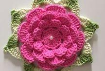 flor rosa com verde