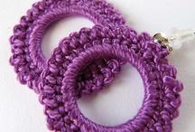 virkattuja korva- ja kaulakoruja ja/crochet ear rings and necklaces