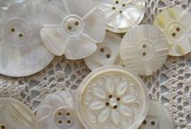 Buttons, lace, thread and accessories / Lovely antique and vintage buttons