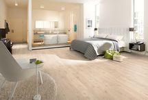 EGGER laminált padlók / Laminált padlót keres? Akkor nagyon jó helyen jár!Ön tudta, hogy a laminált padlók 90%-ban fa alapanyagúak áruk mégis sokkal kedvezőbb a valódi fa parkettákhoz képest?Talán ez az egyik fő ok, melynek köszönhető a laminált padlók népszerűsége. Már nincs olyan szín, olyan dekor, melyet ne lehetne reprodukálni egy laminált padlón! A kínálatban megtalálhatóak hosszabb és szélesebb méretű laminált padlók  a nagy terek komfortossá alakításához.