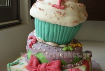 Giant Cupcake and Decoration <3