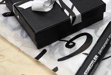Paket, snören, etiketter