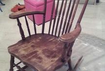 Una vecchia sedia a dondolo....