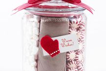Gifts in a jar / Fun jar ideas for gifts