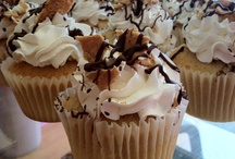 "Cupcakes / We bake 12 varities of cupcakes daily, including 5 ""Good Ole Reliable"" flavors, 1 ""Monthly"" flavor and 6 ""Ever Changing"" flavors.  Check Twitter for daily flavor updates!"