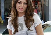 Well Worn Women / Women wearing t-shirts and looking awesome / by Dusty Paw