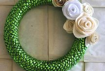 DIY: Wreaths & Wall Art / All things DIY and crafty that can be used as wall decor
