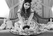 Gloomth Antique Dollhouse