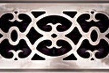 Timeless Victorian / Add a touch of elegance and luxury to any decor with this unique design offered in a variety of hardware finishes and constructed with solid brass, plated metal, or ABS resin.