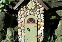 Fairy Garden Houses to Make / You can buy fairy houses for your garden but it's more fun to make your own. Look at all these ideas and tutorials for this!