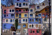hundertwasser / umělce =stavěl domy ve stylu Románský