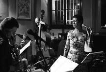 Proyecto con Silvio Zalambani / Las experiencias musicales internacionales del proyecto Grupo Candombe del saxofonista y compositor Silvio Zalambani y de la cantante argentina Sandra Rehder, se suman para mostrar sus facetas más personales y recientes del tango en una serie de composiciones propias y grandes clásicos.  SANDRA REHDERvoz SILVIO ZALAMBANIsaxo soprano y arreglos VITTORIO VEROLIviolín  DONATO D'ANTONIOguitarra MASSIMO MANTOVANIpiano  TIZIANO NEGRELLOcontrabajo