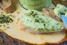 Rezepte für Brotaufstriche, Dips und Co. / Hier findet ihr leckere Rezepte für abwechslungsreiche Brotaufstriche Dips und Co.
