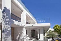 ID: #5968 Марбелья Villa The Golden Mille Marbella / #Марбелья Villa The Golden Mille #Marbella http://goo.gl/IoquYD  https://clck.ru/9ryTr  #Вилла расположена на второй линии моря, на Золотой Миле #Марбельи (зона Puente Romano) менее чем в 50 метрах от пляжа. Дом только что был заново отстроен практически с основания,  в соответствии с самыми высокими стандартами эко-жилья и дизайна. Система умного дома контролируется посредством iPad. Полы с подогревом во всем доме. #Марбелья Villa The Golden Mille #Marbella        Real Estate Villa Anastasia