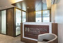 Projetos de Escritórios e Empresas / Projeto de arquitetura de interiores, fachada e mobiliário para escritórios e empresas.
