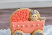 Haniela'a / She is one of my favorite cookie decoraters.