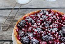 tarta de frutos rojos con esencia de vainilla.