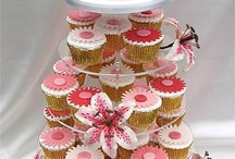 cup-cake-towers / by Valentine Rosko