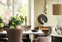 Корпусная мебель: стулья и кресла с декоративными гвоздями / Должна Вам признаться, что сегодняшняя статья нам очень нравится, так дизайнер, который вдохновил нас на эту статью, в его доме, в гостиной, есть очень интересные стулья: черные с декоративными гвоздями.Контраст эффектный, нас обворожил, смесь старого дизайнерского стула вместе с отбивкой с декоративными гвоздями, что придает им современности. Предлагаем Вашему вниманию разные варианты стульев и кресел с декоративными гвоздями, вскоре обещаем опубликовать фотографии дома самого дизайнера.