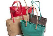 Bolsos de Cuero - Vivian André / Bolsos de cuero finalizados a mano con variedad de combinación de colores
